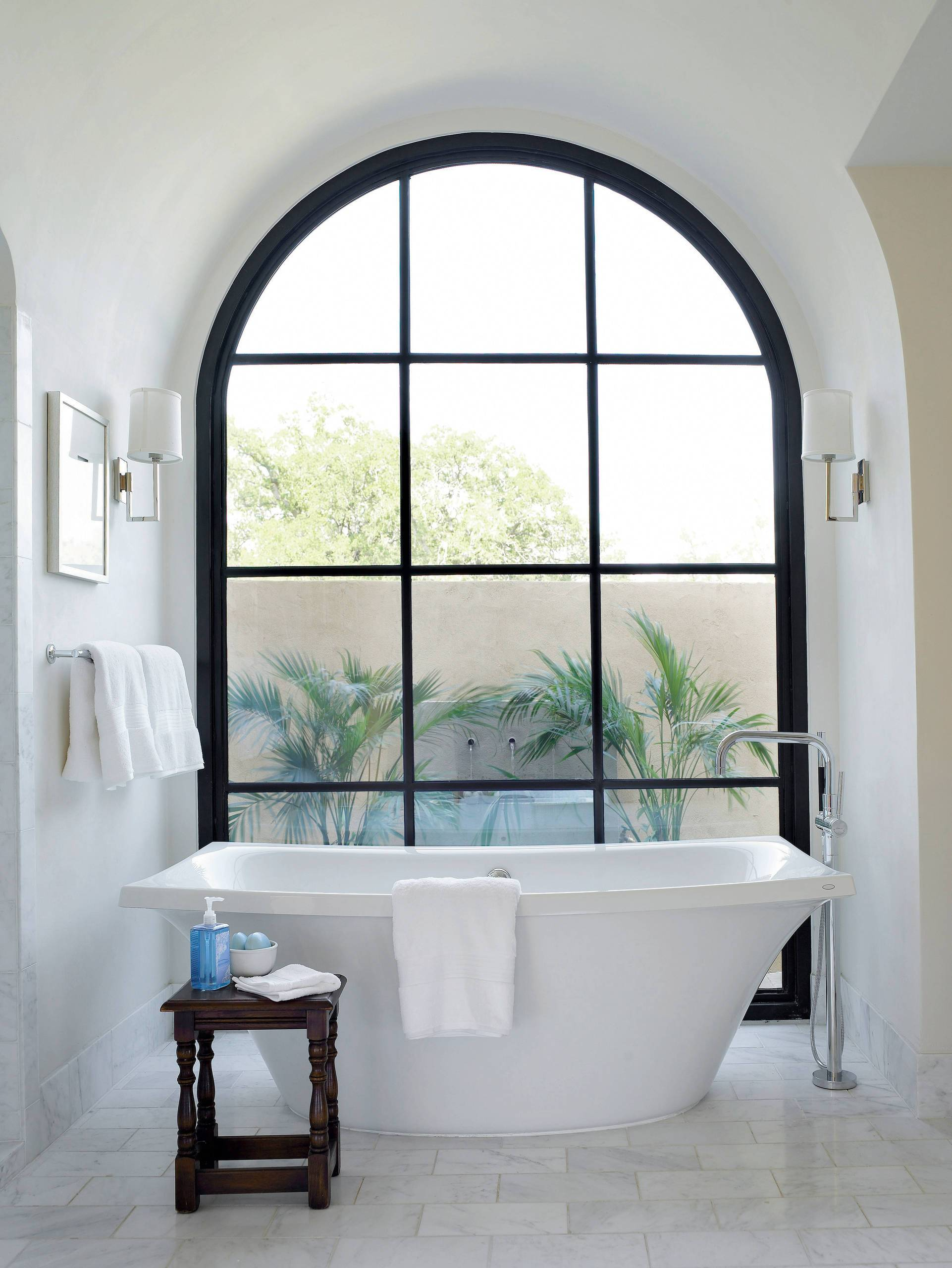 More-modern-take-on-the-classic-arched-window-for-the-contemporary-bathroom-96945