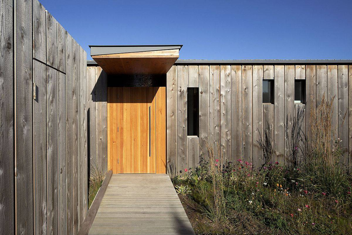 Oregon-Coast-Beach-House-designed-by-Cutler-Anderson-Architects-with-wooden-exterior-15221
