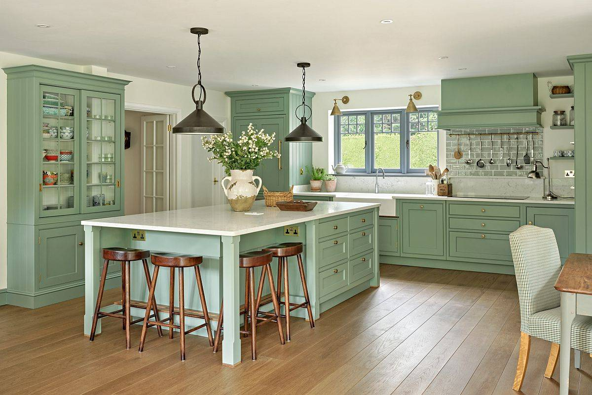 Pastl-green-and-white-kitchen-feels-picture-perfect-indeed-67608