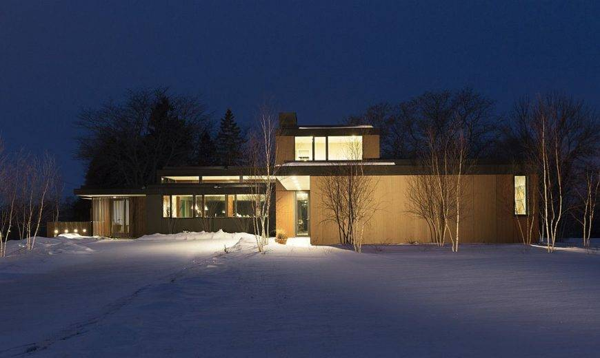 mHouse: Innovative Modern Residence with an Eye on the Future!
