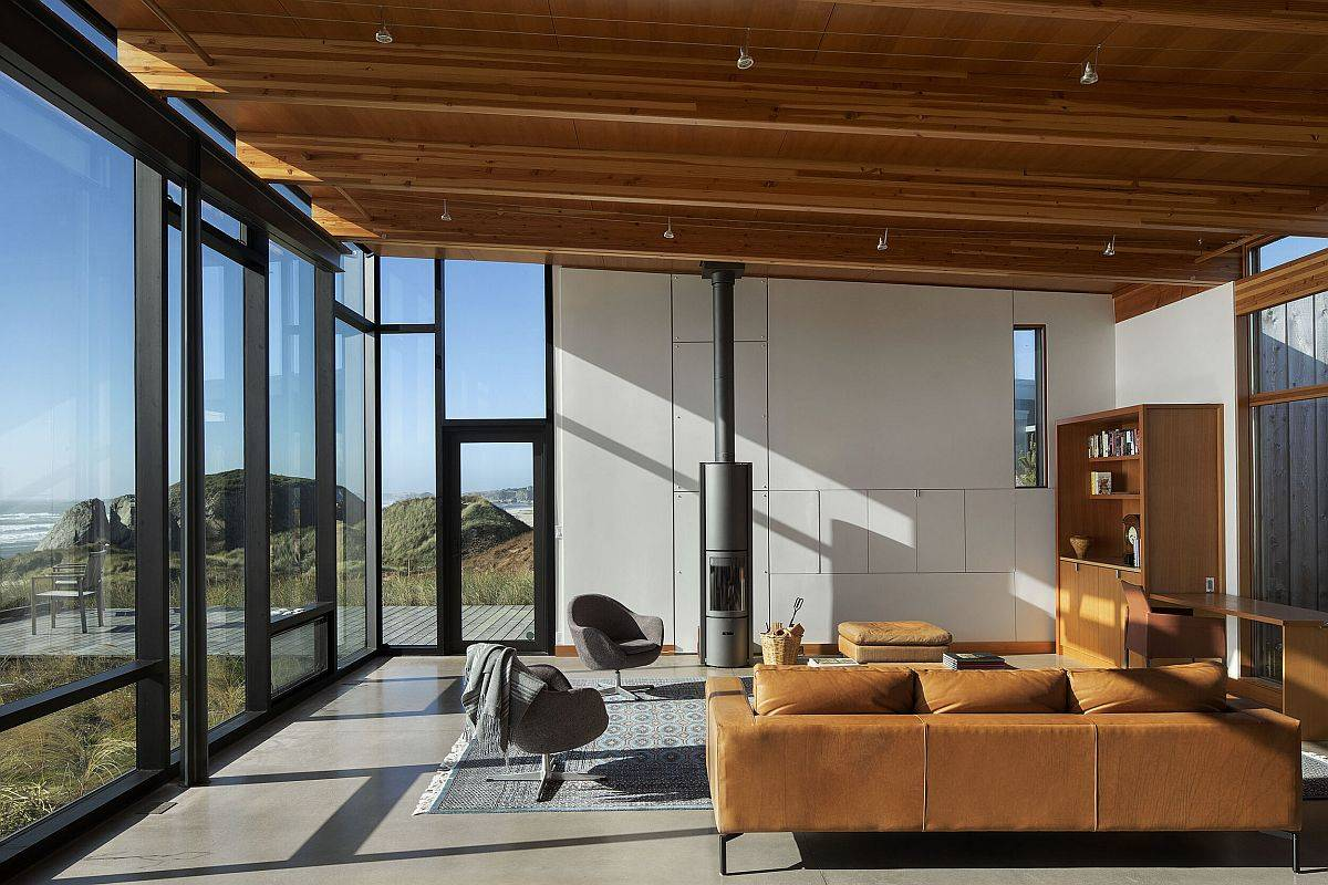 Slanted-ceiling-of-the-living-room-with-wooden-beams-adds-something-unique-to-the-living-space-30475