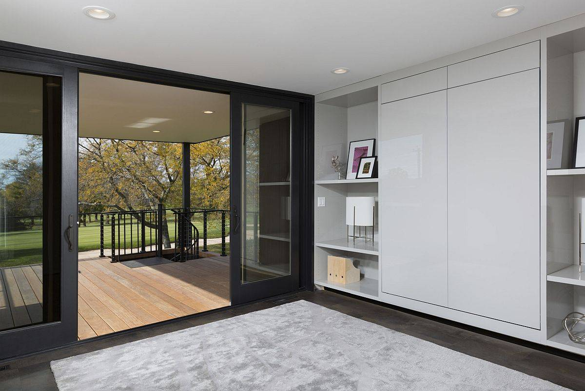 Sliding-glass-doors-welcoming-you-into-the-modern-mHouse-49609