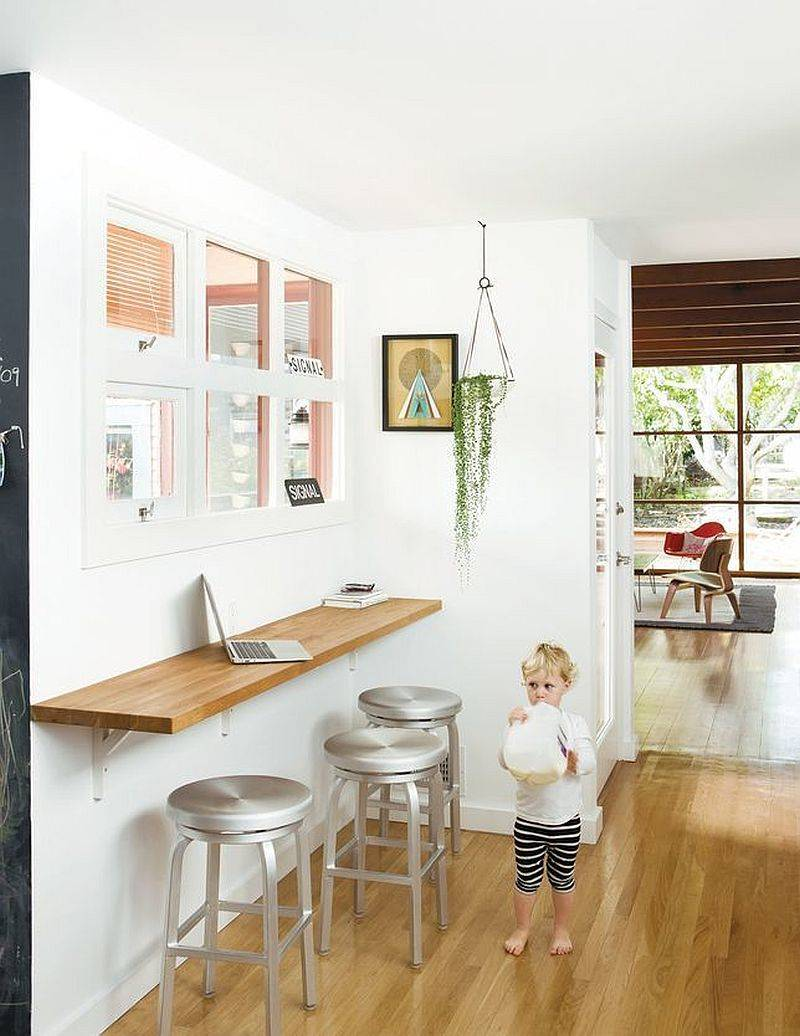 Slim-wooden-breakfast-bar-in-the-kitchen-corner-can-also-be-used-as-a-fabulous-workstation-56161