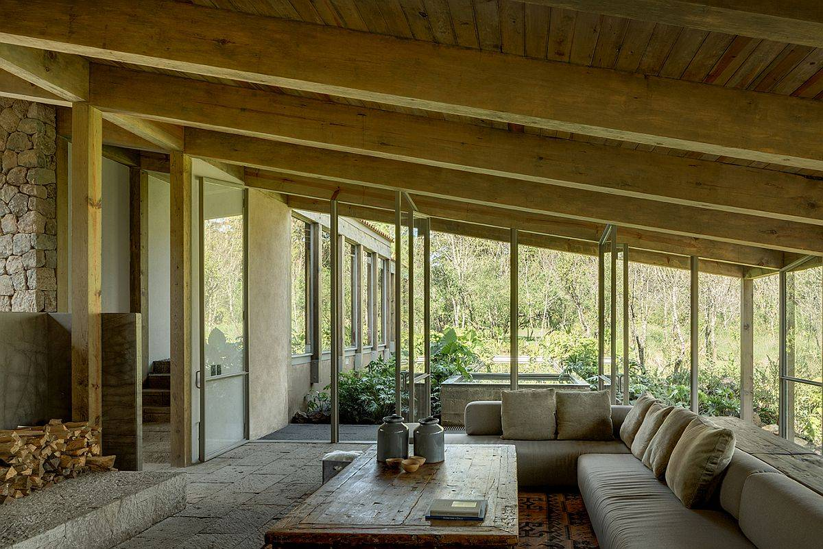 Spacious-and-luxurious-outdoor-hangout-with-a-view-of-the-forest-all-around-80925
