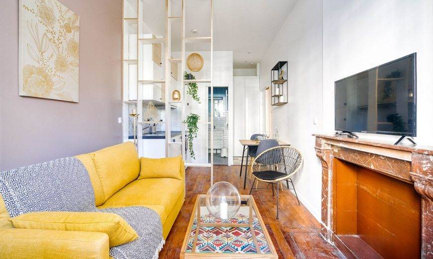 Tiny 18 Sqm Apartment in Lyon with a Space-Savvy Modern Scandinavian Design