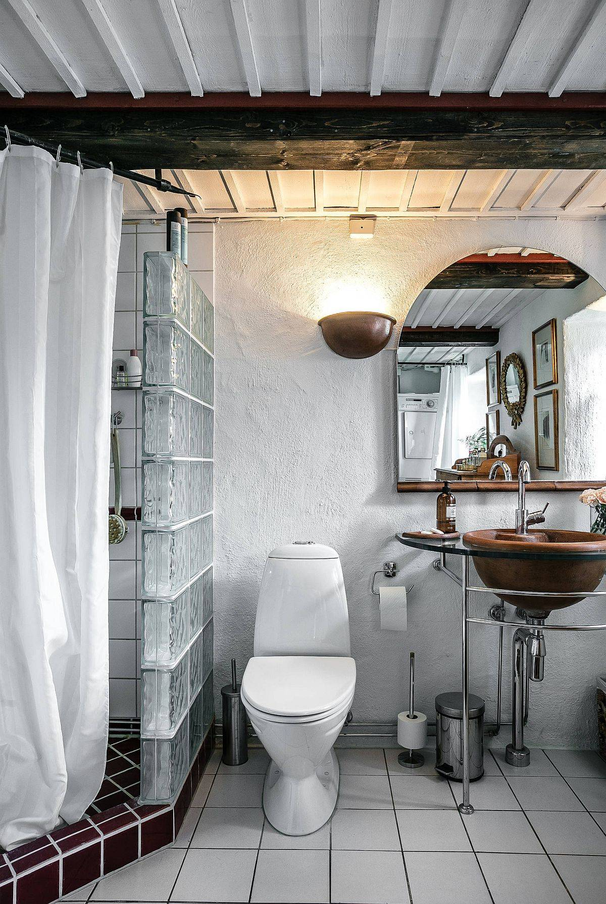 Textured-walls-along-with-fabulous-sink-in-metal-make-an-impact-in-here-59362