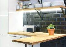 Tiny-breakfast-with-L-shape-in-wood-for-the-small-Scandinavian-kitchen-31779-217x155