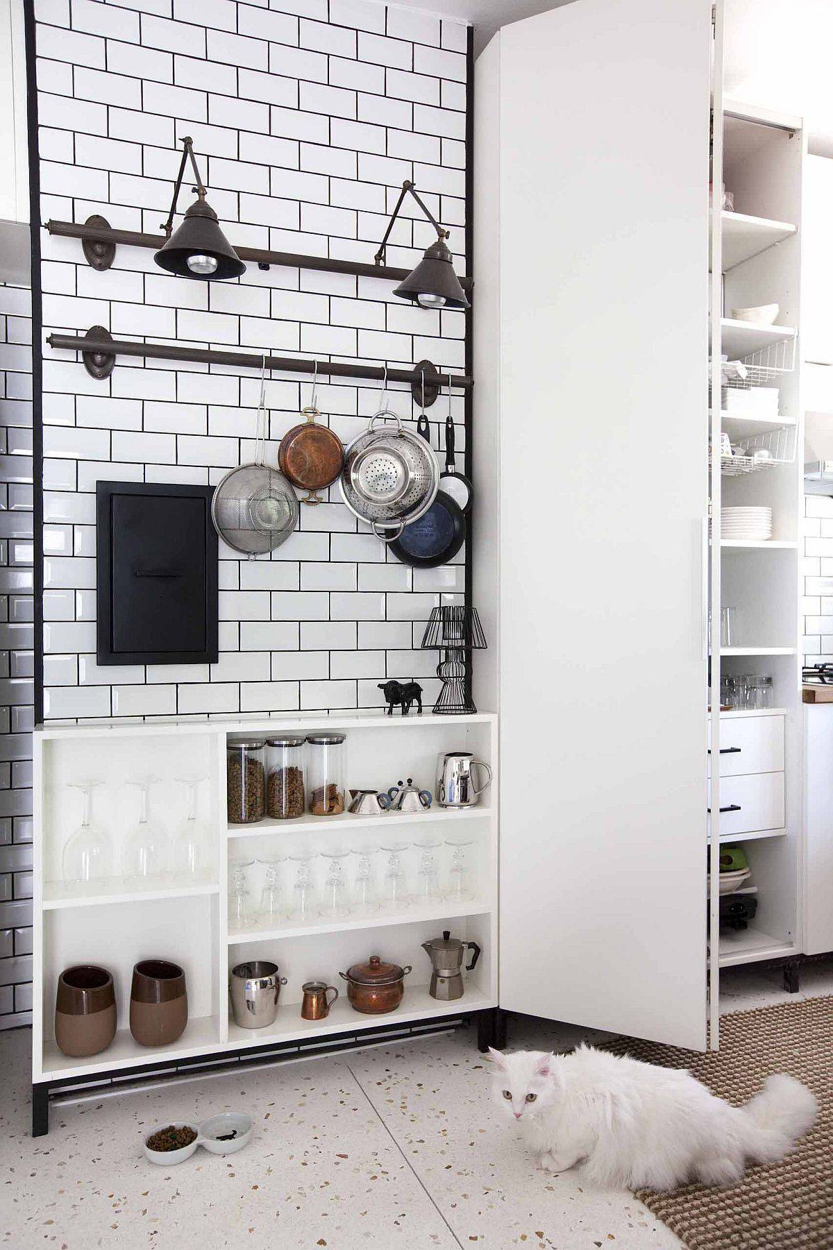 Turn-to-multiplae-storage-options-for-a-more-organized-kitchen-90039
