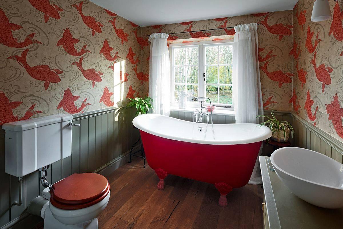 Wallpaper-freestanding-claw-foot-bathtub-add-brilliant-red-overtone-sto-the-modern-farmhouse-bathroom-91366