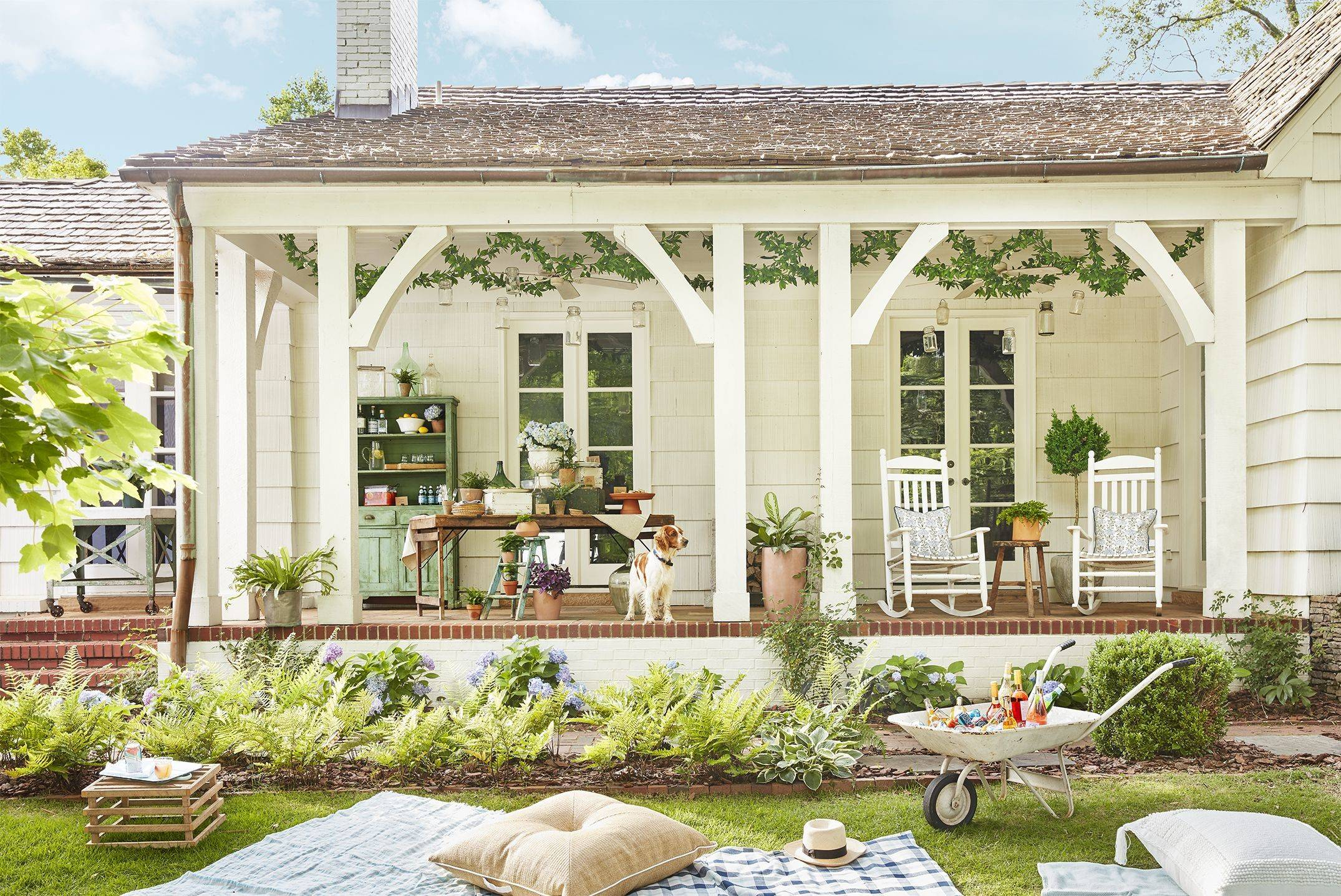 ront porch rocking chairs