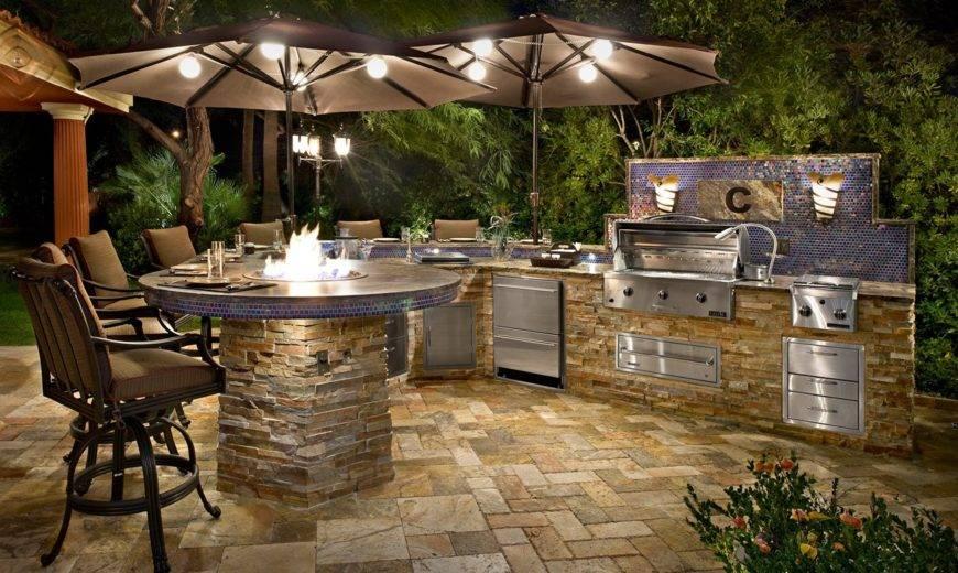 The Best Outdoor Kitchen Setups For Backyard Entertaining
