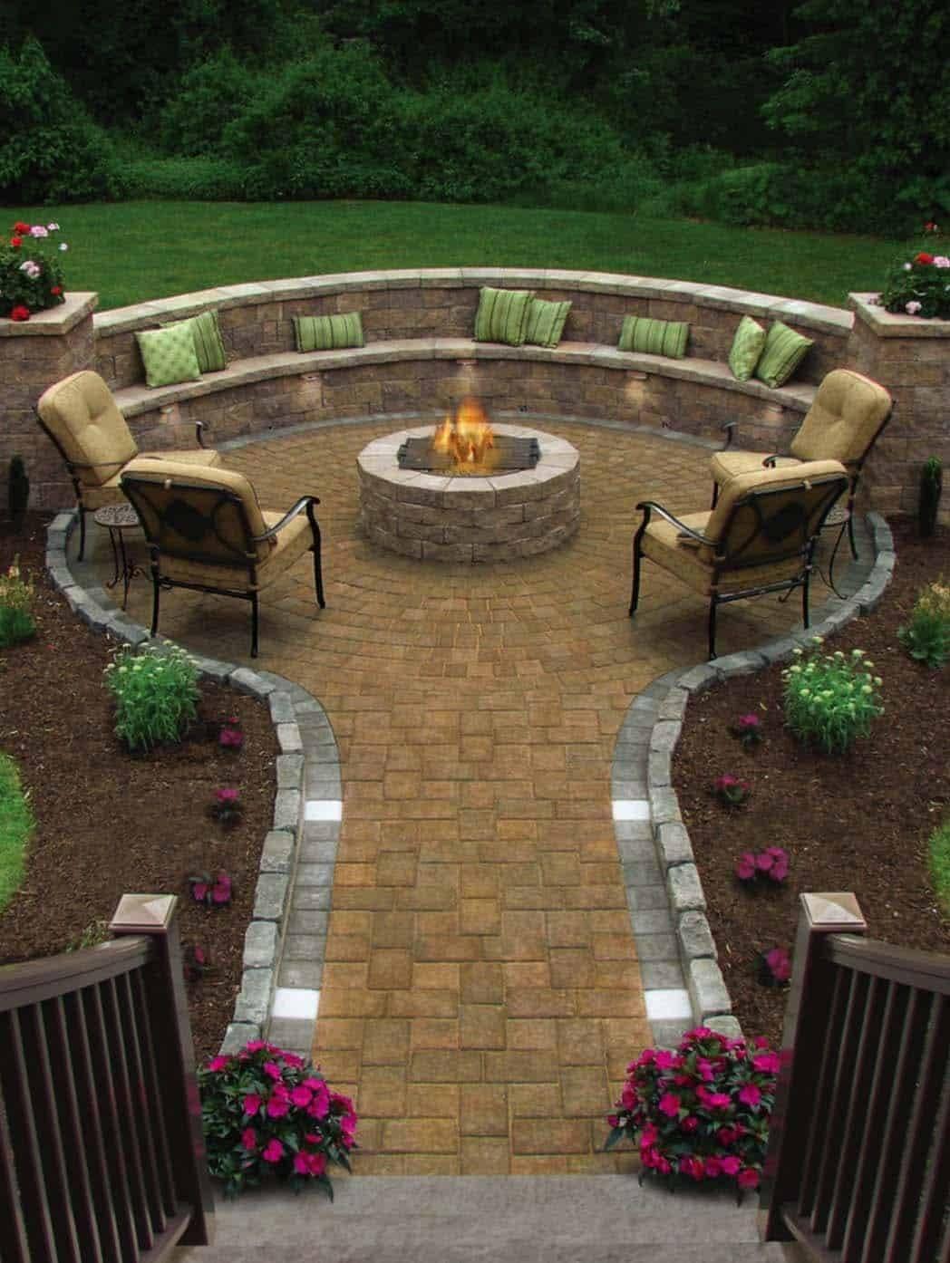 traditional-outdoor-patio-designs
