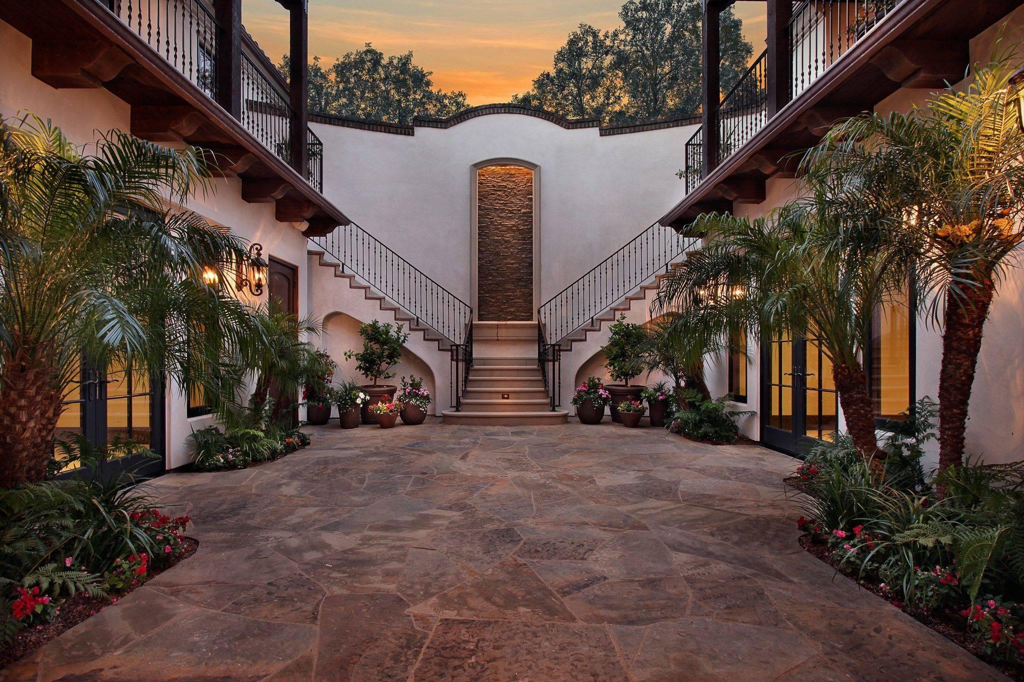 Desain Rumah Hacienda ModernDesain Rumah Hacienda Modern
