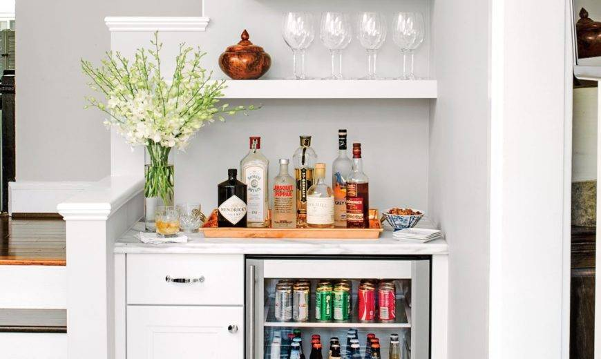15+ Photos That Will Inspire You To Convert That Small Space Into A Bar