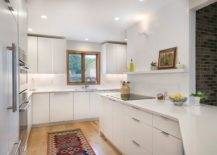 Adaptable-white-and-wood-look-in-the-kitchen-has-becom-a-modern-classic-30838-217x155