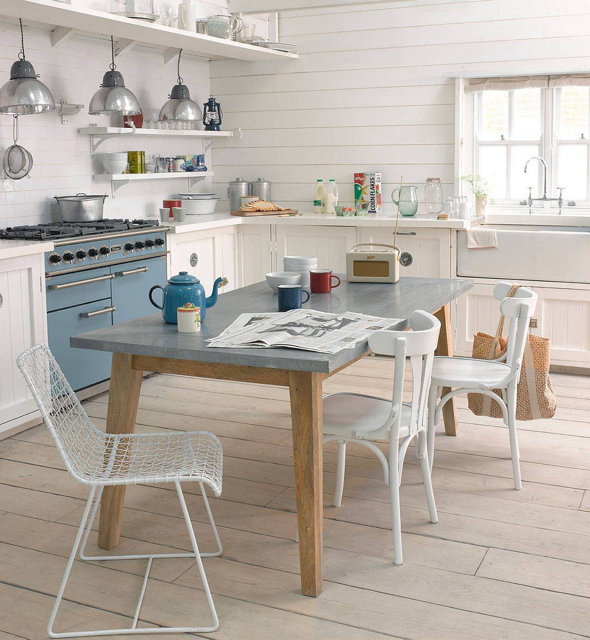 Breezy-and-cheerful-eat-in-kitchen-in-white-and-light-blue-with-a-beautiful-Scandinavian-style-84077