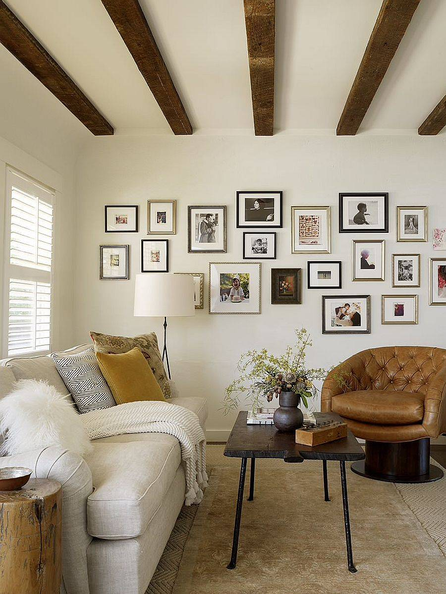 Ceiling-beams-accentuate-the-rustic-appeal-of-this-small-living-room-54126