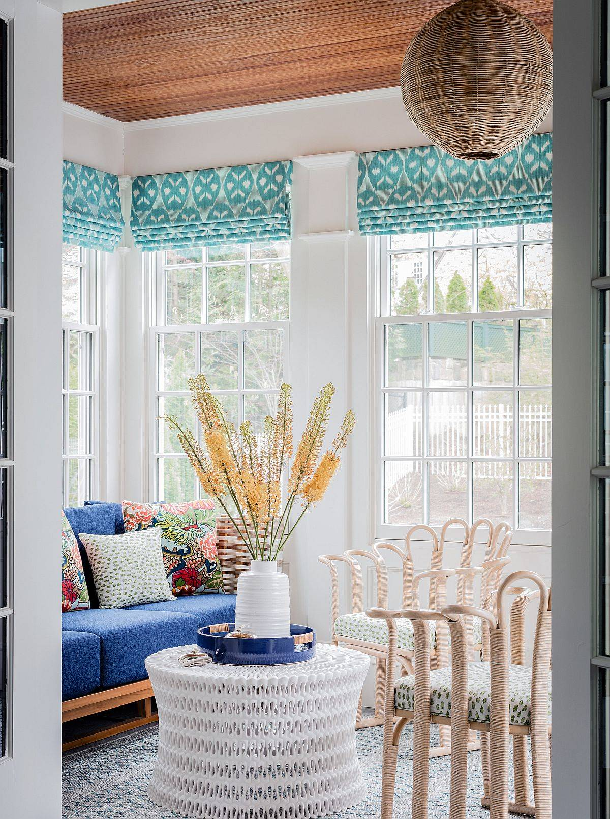 Colorful-and-small-modern-sunroom-idea-60577