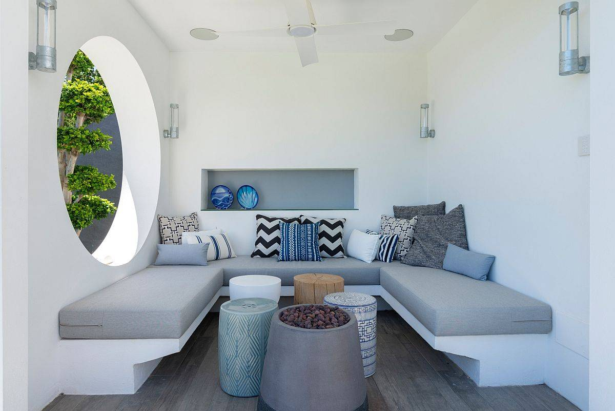 Compact-and-covered-contemporary-patio-with-a-wonderful-built-in-bench-10297