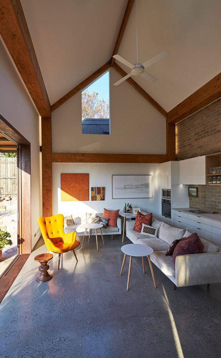 Concrete-floor-and-highly-insulated-walls-give-the-home-a-cozy-interior-even-in-winter-months-52193