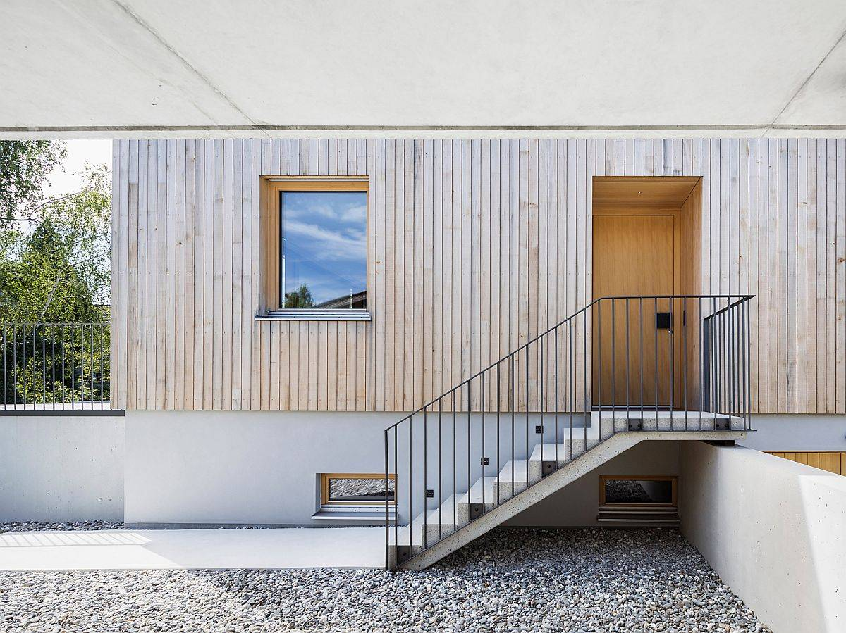 Covered-entrance-of-the-home-beautifully-combines-concrete-with-wood-53754