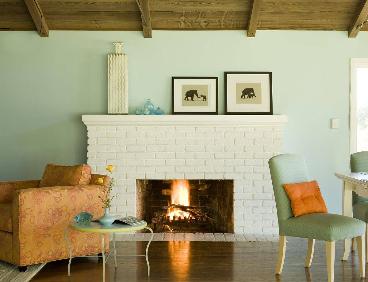 Creative-and-soothing-use-of-pastel-green-in-the-small-rustic-living-room-99484