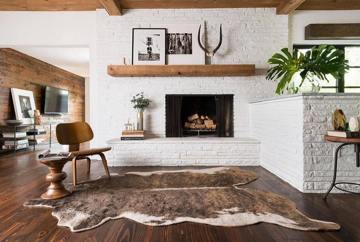 Faux-fur-and-cowhide-rugs-can-easily-bring-winter-themed-look-to-any-living-space-80921