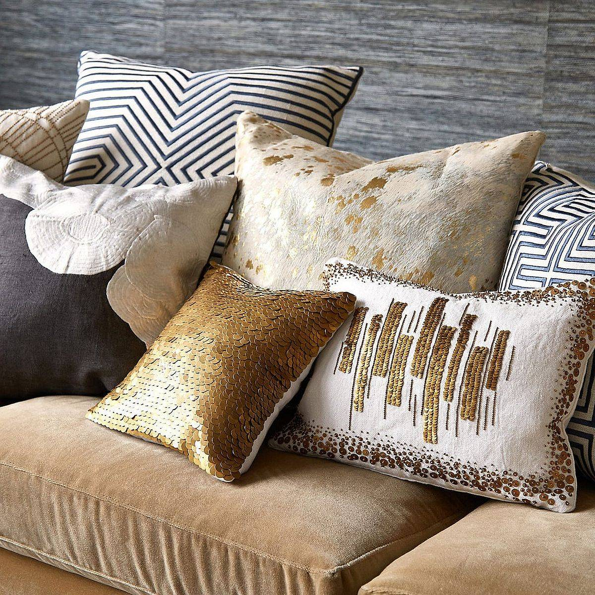 Find-a-metallic-accent-pillow-with-just-the-right-look-for-your-living-room-82778