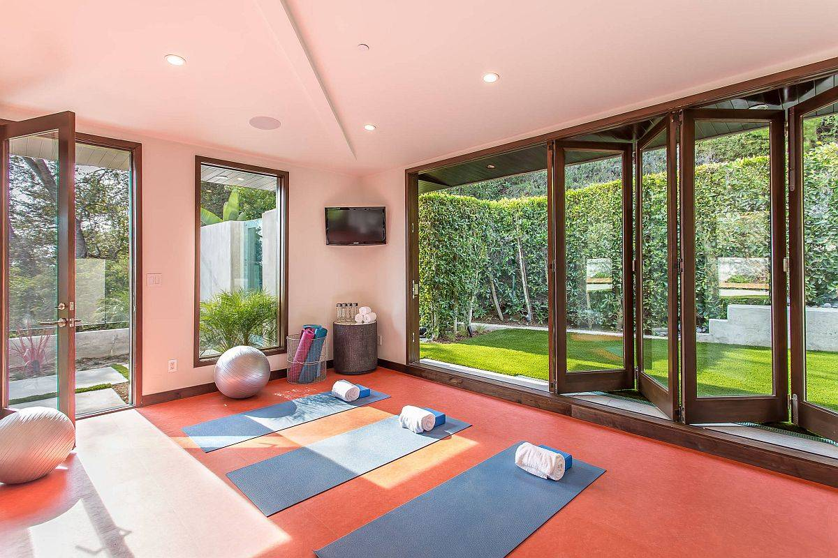 Glass-doors-easily-bring-nature-and-the-view-indoors-80204