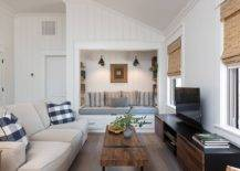 Gorgeous-niche-with-built-in-bench-is-just-prefect-for-the-small-becah-style-family-room-25803-217x155