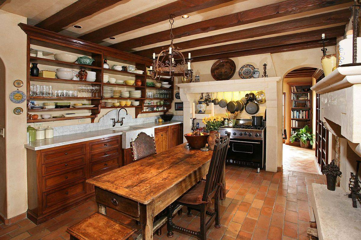 Heavy-wooden-table-at-the-heart-of-this-farmhoue-kitchen-can-easily-host-dinner-partis-across-the-Holidays-96533