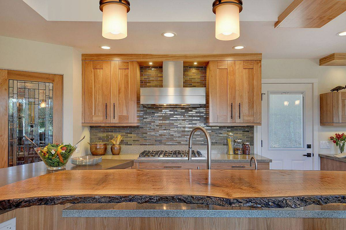 Kitchen-island-counter-in-live-edge-brings-natural-warmth-and-elegance-to-the-space-84928