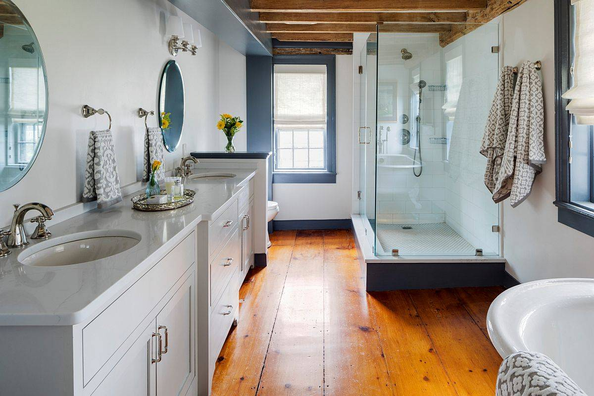 Lovely-wooden-floor-in-the-bathrom-makes-an-instant-difference-to-its-ambiance-95103