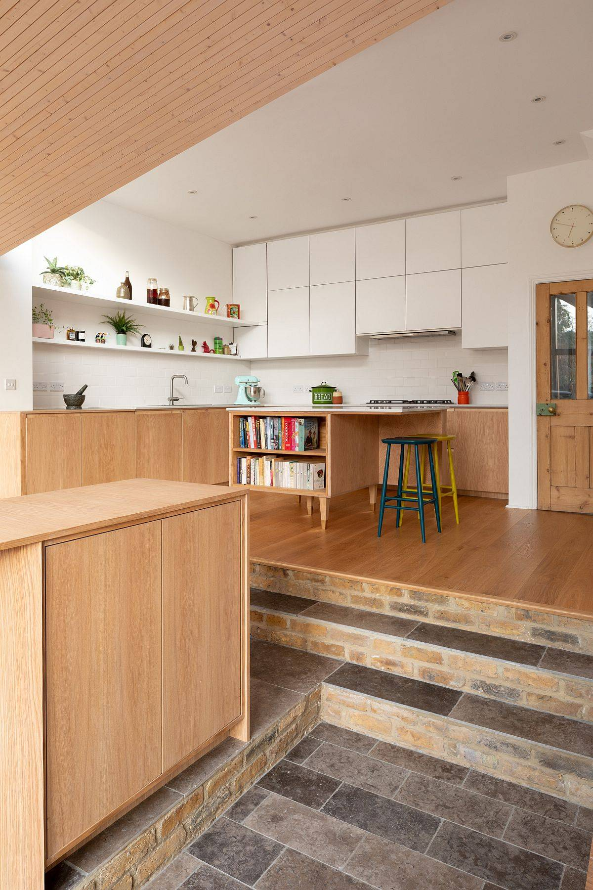 Multi-level-rear-extension-with-a-kitchen-dining-and-family-area-24228