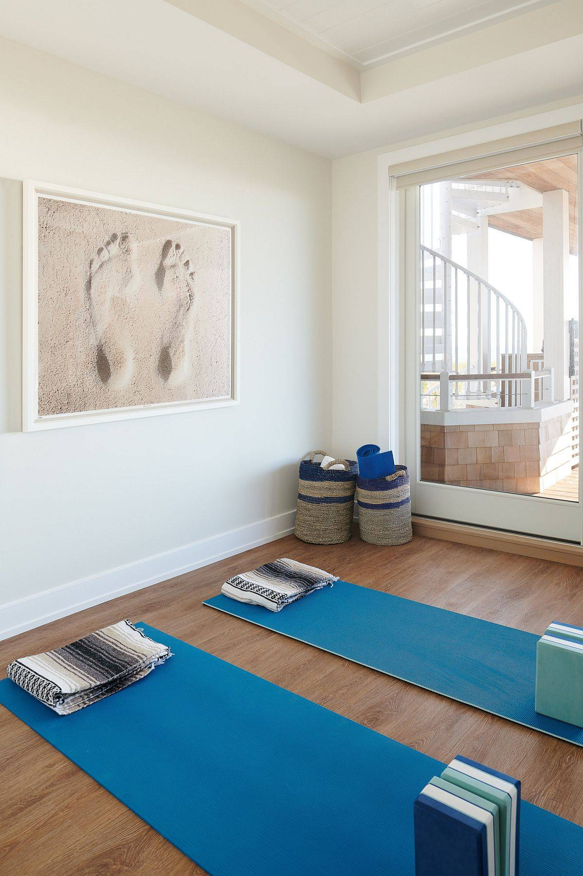 Neutral-colors-on-the-wall-and-a-wooden-floor-make-for-a-perfect-backdrop-to-create-your-home-yoga-space-37109