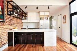 Northcote Interior: Social Kitchen with a Brick Wall and a Relaxing Family Room