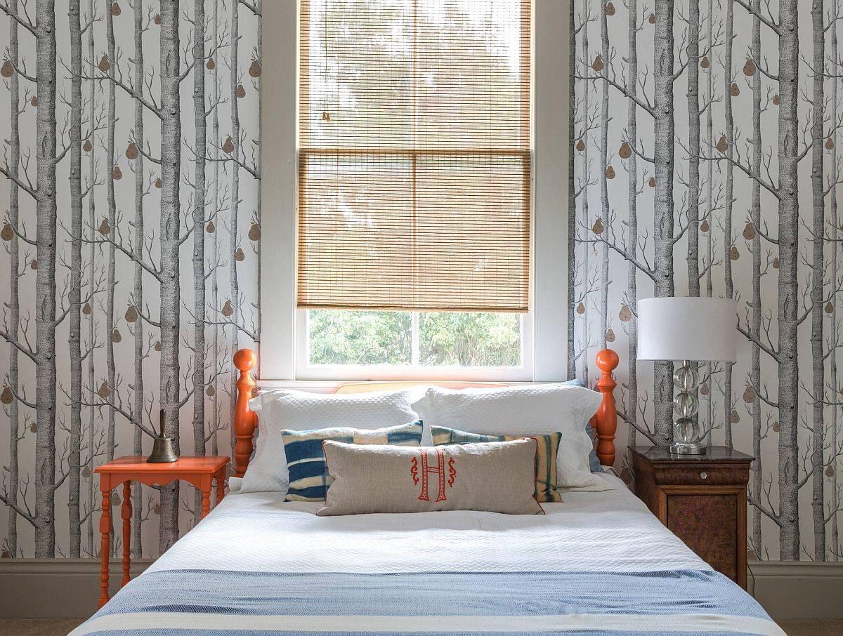 Wallpaper-hutan-pir-oleh-Cole-Son-sempurna-untuk-kamar-bertema-musim gugur-dengan-aksen-oranye-19391