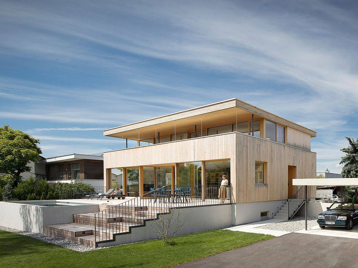 Rear-facade-pool-and-deck-of-contemporary-home-in-Austria-with-a-wooden-exterior-59269
