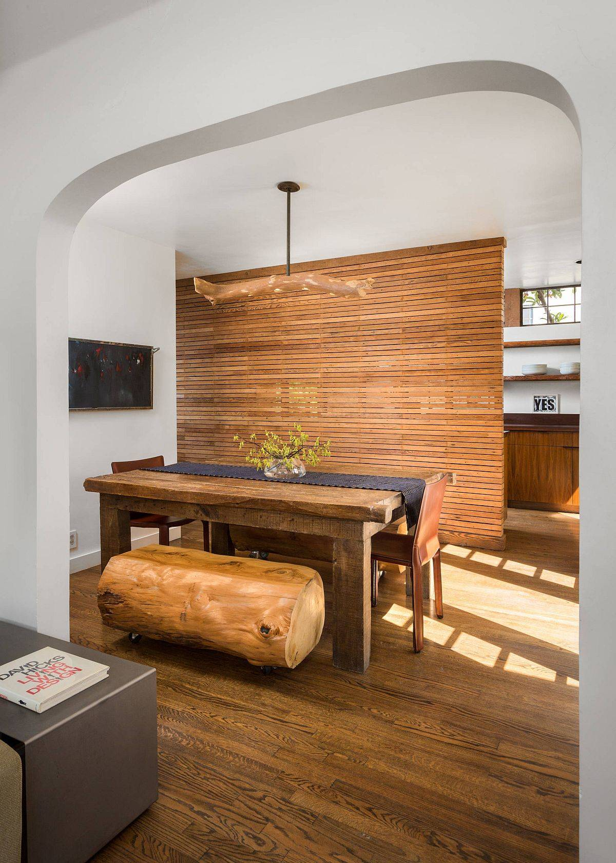 Room-divider-between-the-dining-area-and-kitchen-made-with-horizontal-wooden-slats-also-acts-as-the-kitchen-wall-25638