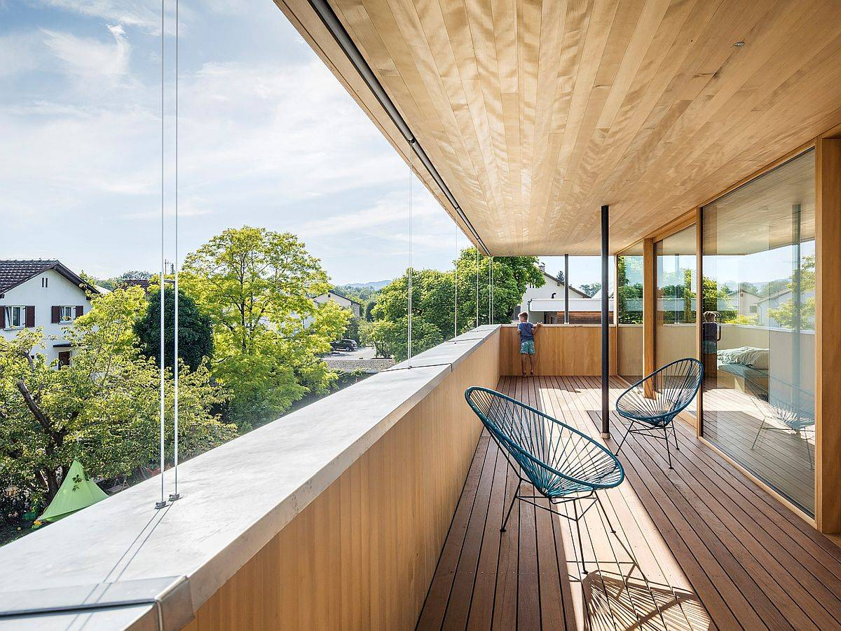 Sheltereed-balcony-on-the-upper-level-of-the-house-with-ample-shade-offers-lovely-views-75524