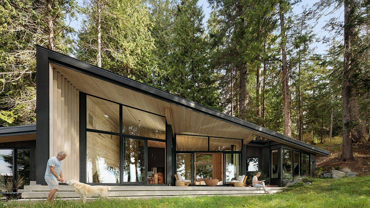 Slanting-roof-of-the-house-gives-it-a-unique-visuall-appeal-borrowed-from-classic-A-frame-homes-51921