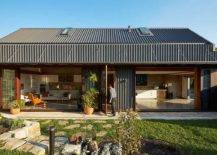 The-Shed-designed-by-Anderson-Architecture-acts-as-a-wonderful-secondary-dwelling-95756-217x155