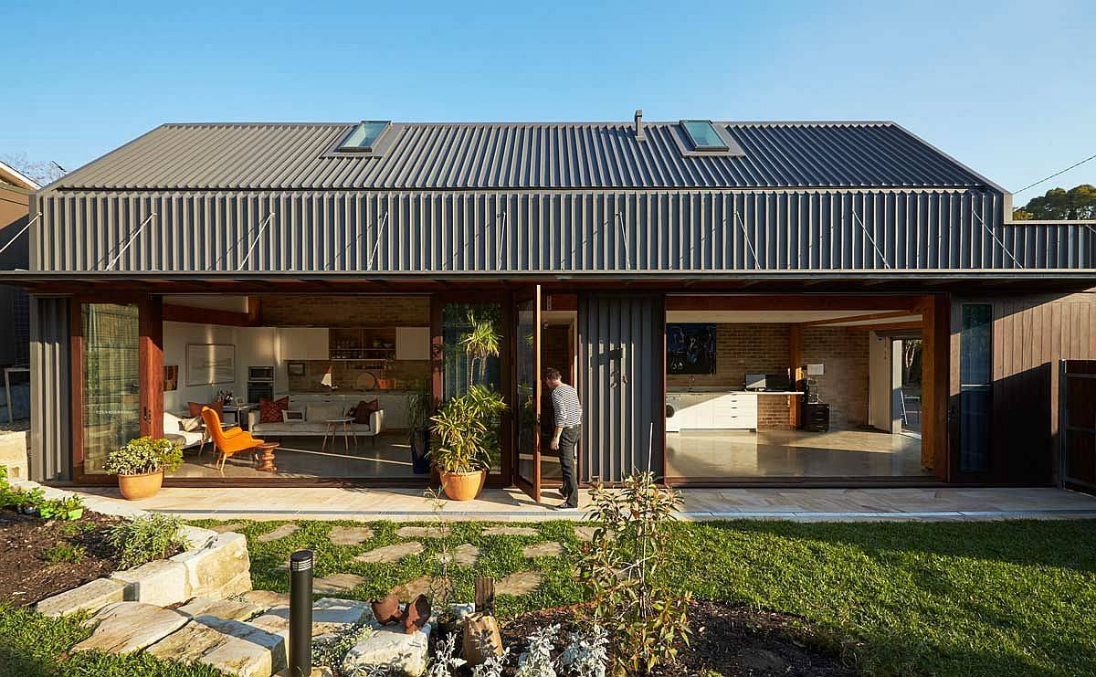 The-Shed-designed-by-Anderson-Architecture-acts-as-a-wonderful-secondary-dwelling-95756