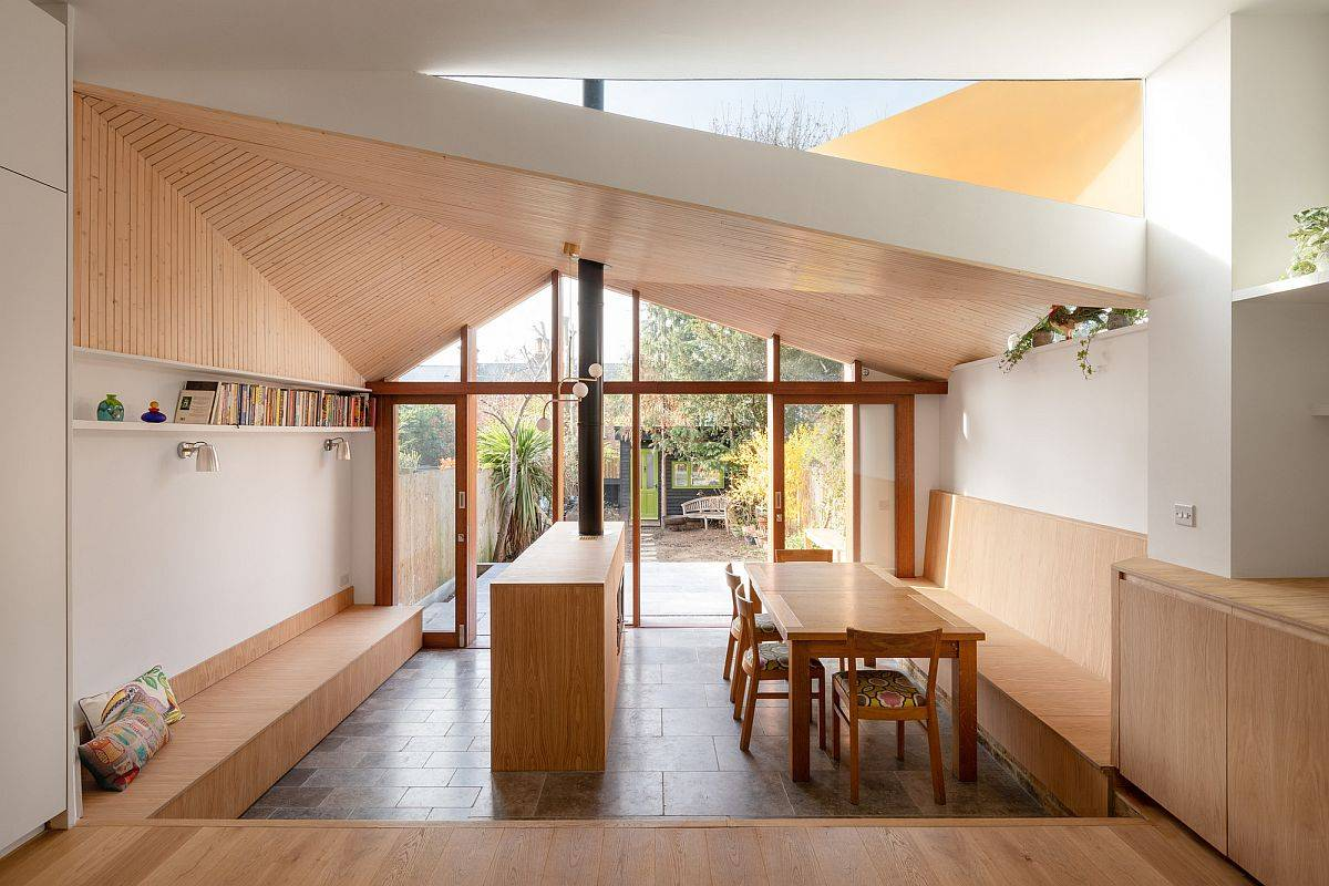 Unique-and-custom-wooden-roof-of-the-extension-brings-the-aesthetics-of-sitting-under-a-tree-70610