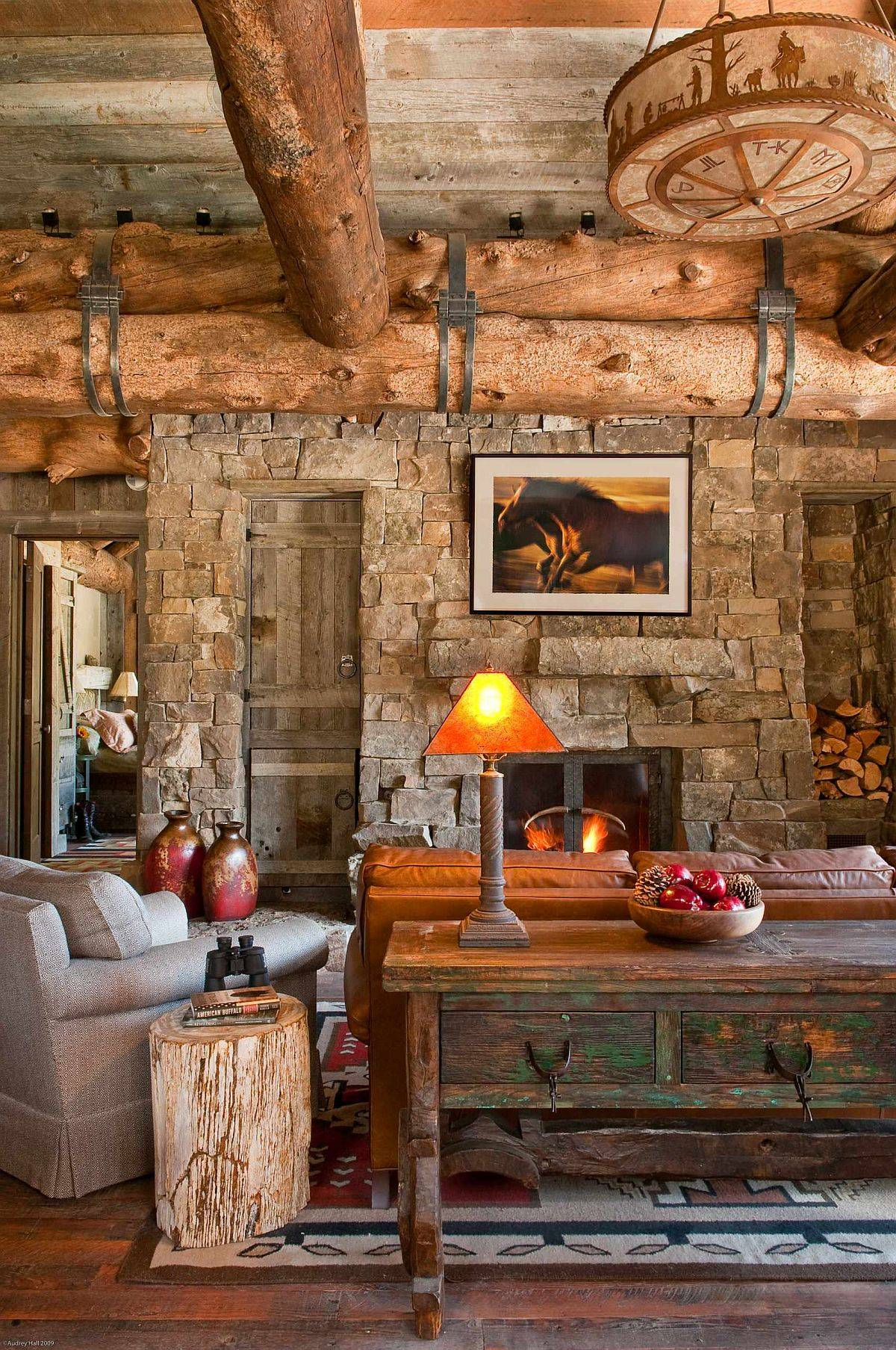Vintage-furniture-pieces-and-reclaimed-wood-decor-make-a-difference-in-the-rustic-living-space-36108