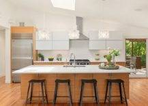 White-and-wood-is-one-of-the-easiest-color-schemes-to-work-with-in-the-kitchen-37071-217x155