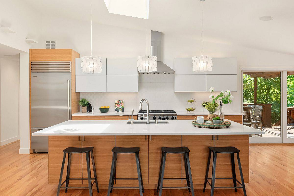 White-and-wood-is-one-of-the-easiest-color-schemes-to-work-with-in-the-kitchen-37071