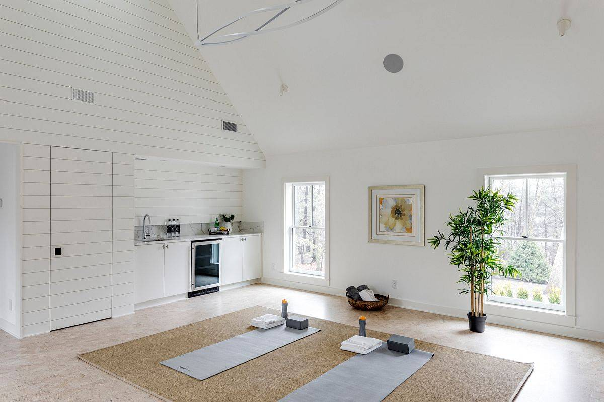 White-walls-and-beige-floor-offer-the-perfect-backdrop-for-this-yoga-studio-21392