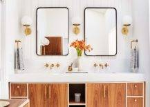 Wood-and-white-is-a-trendy-color-scheme-in-the-modern-bathroom-with-Scandinavian-touches-39697-217x155
