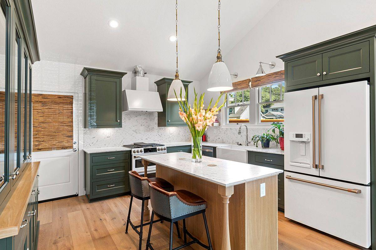Fresh-and-cheerful-modern-kitchen-with-a-smart-central-island-and-ample-storage-space-62980